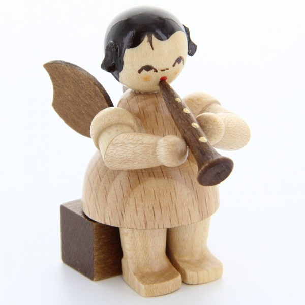 Uhlig Engel sitzend mit Klarinette, natur, handbemalt