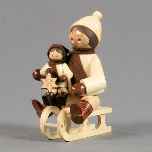 Dregeno Erzgebirge - Miniatur Schlittenfahrer mit Kind, natur - 11cm