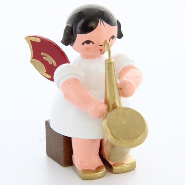 Uhlig Engel sitzend mit Saxophon, rote Flügel, handbemalt