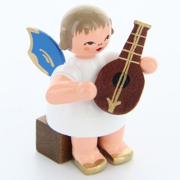 Uhlig Engel sitzend mit Mandoline, blaue Flügel, handbemalt