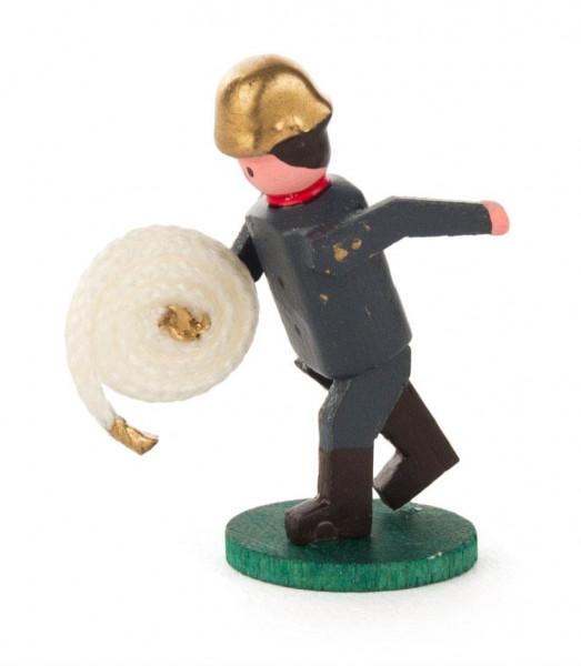 Dregeno Erzgebirge - Miniatur-Feuerwehrmann mit Schlauchrolle
