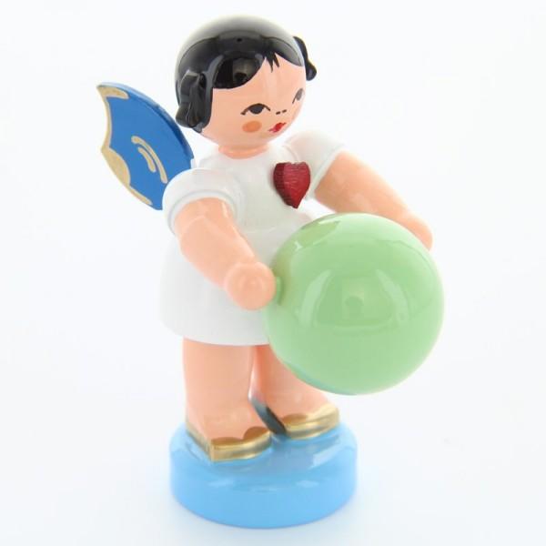 Uhlig Engel stehend mit Gymnastikball, blaue Flügel, handbemalt