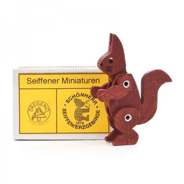 Dregeno Erzgebirge - Miniatur-Zündholzschachtel mit Eichhörnchen, beweglich