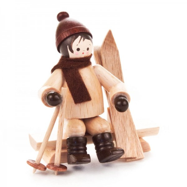 Dregeno Erzgebirge - Miniatur-Skifahrer auf Bank, natur