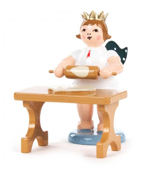 Dregeno Erzgebirge - Bäckerengel am Tisch mit Teigrolle und Krone
