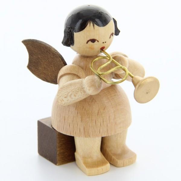Uhlig Engel sitzend mit Flügelhorn, natur, handbemalt