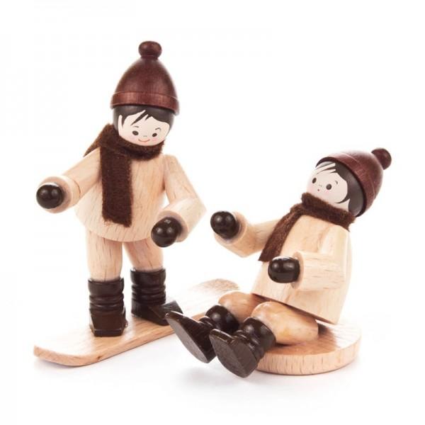 Dregeno Erzgebirge - Miniatur-Kinder mit Snowboard und Rutscher, natur