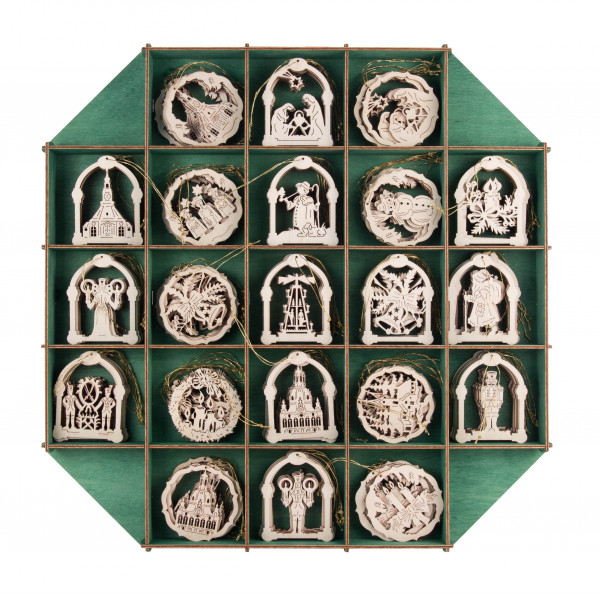 Dregeno Erzgebirge - Verkaufsdisplay mit Behang gemischt (Bogen, Kreis, Glocke, Stern), 126 Teile